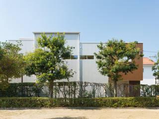 西蟹屋の家: 株式会社かんくう建築デザインが手掛けた家です。