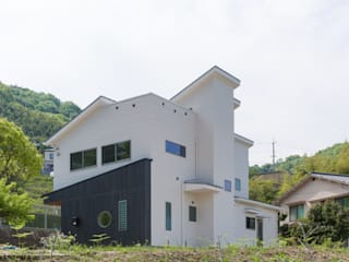 坂の家1: 株式会社かんくう建築デザインが手掛けた家です。