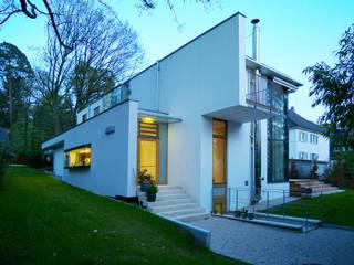 Ansicht West:  Häuser von Kramm + Strigl  Architekten und Stadtplaner