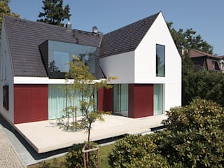 KMA Kabarowski MIsiura Architekci Casas de estilo moderno