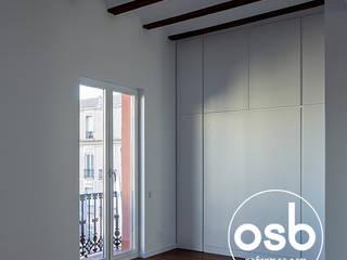Modern style bedroom by osb arquitectos Modern