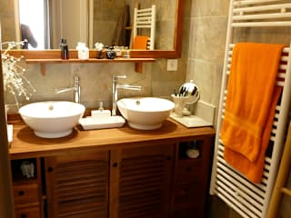 AGENCEMENT D'UN APPARTEMENT: Salle de bains de style  par AGENCE JP BARET