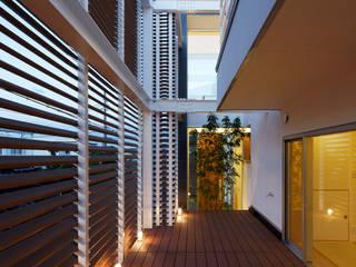 Modern style gardens by 内田雅章建築設計事務所 Modern