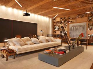 BC Arquitetos モダンデザインの リビング