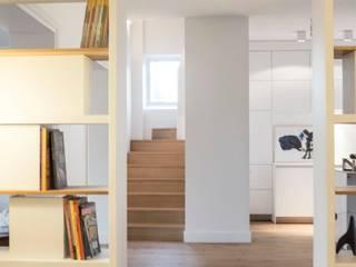 APPARTEMENT PRIVÉ | PARIS Bureau moderne par MATHILDE BRETILLOT CREATIONS Moderne
