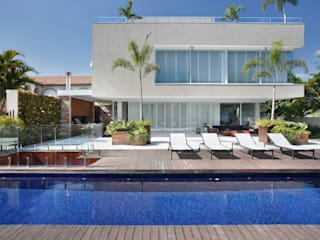 RESIDÊNCIA RP WIMBLEDON: Casas  por BC Arquitetos
