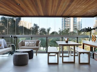 Living room by BC Arquitetos ,