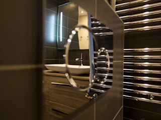 Anne Martins Design BathroomStorage
