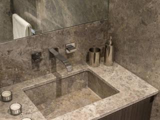 Salle de bains de style  par In:Style Direct