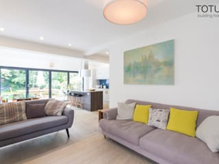 New life for a 1920s home - extension and full renovation, Thames Ditton, Surrey Modern living room by TOTUS Modern