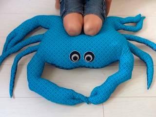 Mister Maousse: Le pouf crabe king size par Les Curiosités de Fred Éclectique