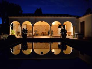 Casas mediterrânicas por Chiarri arquitectura Mediterrânico