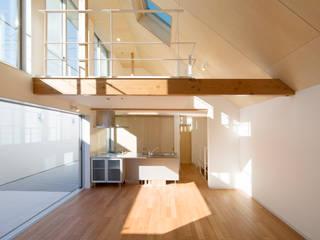 Salas / recibidores de estilo  por アトリエ24一級建築士事務所