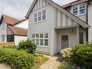New life for a 1920s home - extension and full renovation, Thames Ditton, Surrey Classic style houses by TOTUS Classic
