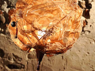 Lampada da tavolo bronzo:  in stile  di SPAZIO CASA DI CISARI SABINA