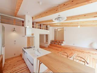 野洲の住宅 モダンデザインの ダイニング の 奥村幸司建築設計室 モダン