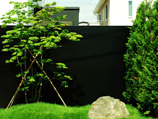 山越健造デザインスタジオ Kenzo Yamakoshi Design Studio Jardines de estilo moderno