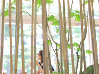 Moderne Ladenflächen von 山越健造デザインスタジオ Kenzo Yamakoshi Design Studio Modern