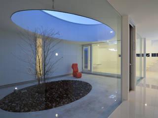 湧水町の住宅: アトリエ環 建築設計事務所が手掛けた庭です。