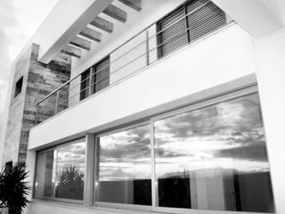 Mohedano Estudio de Arquitectura S.L.P. Detached home White