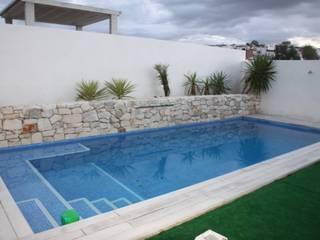 Pool by Mohedano Estudio de Arquitectura S.L.P., Modern