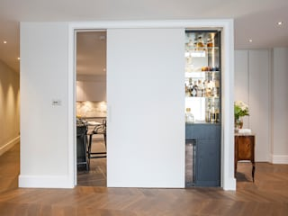 Kensington Church Street Apartment Refurbishment SWM Interiors & Sourcing Ltd Вітальня