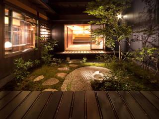 舞双庵: 有限会社 TEAMWORKSが手掛けた庭です。,