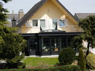 Wintergarten im klassischen Stil:  Terrasse von Blaser exclusive Wintergardens