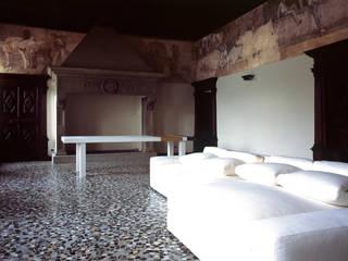 Minimalistische Wohnzimmer von Pini&Sträuli Architects Minimalistisch