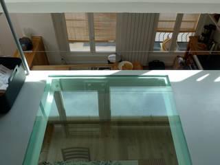 Loft de 70 m2 à Paris 12: Terrasse de style  par pillonel lacoste