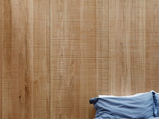 Wall panelling Paredes y pisos de estilo escandinavo de muto Escandinavo