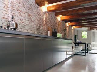 Loft Amsterdam:  Keuken door De Ontwerpdivisie