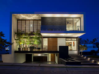 Houses by GLR Arquitectos,