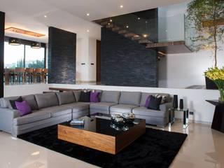 غرفة المعيشة تنفيذ GLR Arquitectos,