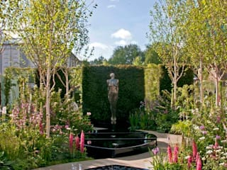 RHS CHELSEA 2015 - BEST FRESH GARDEN - PEOPLE'S CHOICE AWARD Jardins clássicos por Ruth Willmott Clássico