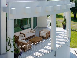 Excelencia en Diseño Balcones y terrazas de estilo moderno
