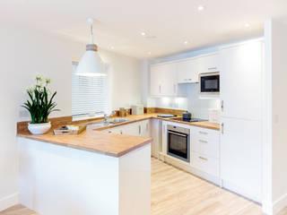 Shore House in Swanage Nhà bếp phong cách hiện đại bởi WN Interiors Hiện đại