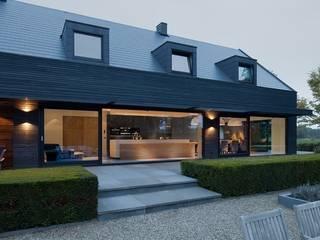 Garten und Fassaden Moderner Balkon, Veranda & Terrasse von Ecologic City Garden - Paul Marie Creation Modern