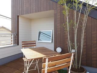 Asian style balcony, veranda & terrace by 有限会社タクト設計事務所 Asian