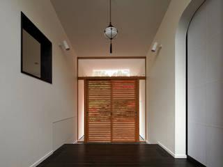 Fussa K オリジナルスタイルの 玄関&廊下&階段 の 清正崇建築設計スタジオ オリジナル