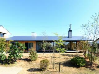 「林の中に住む。」: 丸山晴之建築事務所が手掛けた家です。