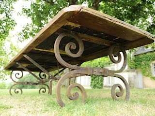 Table en fer forgé:  de style  par Ateliers BdM