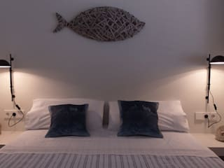 غرفة نوم تنفيذ DyD Interiorismo - Chelo Alcañíz, بحر أبيض متوسط
