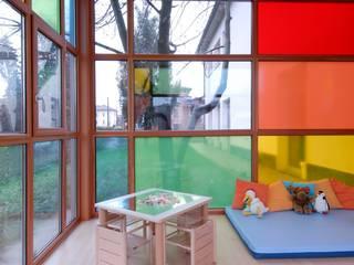 area lavoro: Sala multimediale in stile  di Marchingenio srl