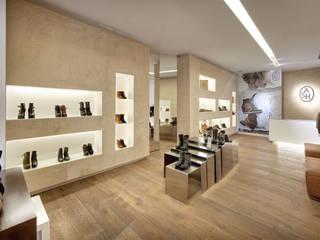 Văn phòng & cửa hàng by Brick construcció i disseny