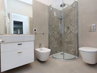 BAGNO: Bagno in stile in stile Moderno di ROBERTA DANISI ARCHITETTO