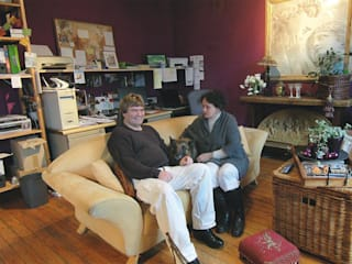 Jürgen Grabowski flüstert im Wohnzimmer :  Wohnzimmer von Der Möbelflüsterer