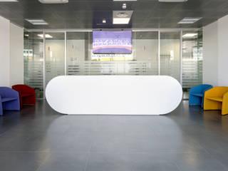 PROGETTO | PIAZZA ITALIA Complesso d'uffici moderni di SINETICA INDUSTRIES Moderno
