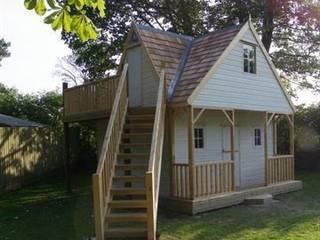 Tree House:  Terrace by COOPER BESPOKE JOINERY LTD