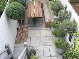 Slim & Subtle Rear Garden Modern garden by homify Modern